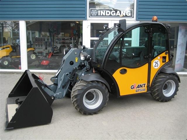 Giant GT5048