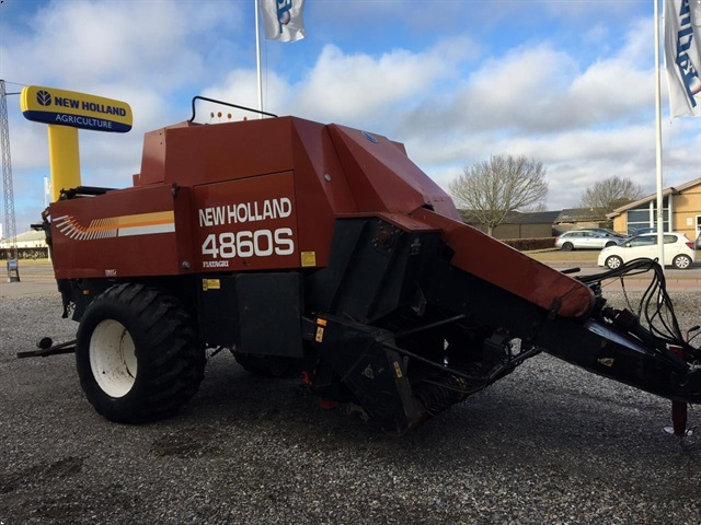 New Holland 4860S PRESSER