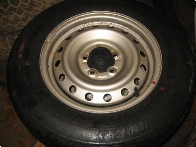 Continental Bridgestone 205/70R15 R623